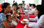 Các bà mẹ trình diễn cho con bú để tôn vinh tác dụng của sữa mẹ