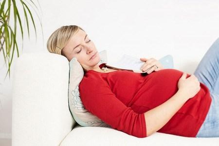 Mẹ bầu căng thẳng sẽ khiến cho tình trạng ốm nghén thêm nặng - Mẹ mang thai - Bà bầu cần biết - Những điều cần biết khi mang thai - Sức khỏe khi mang thai