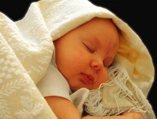 Thời gian ngủ ngày và đêm không giống nhau ở các trẻ.