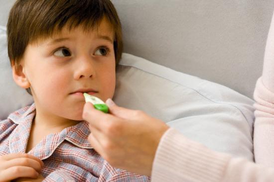 Kết quả hình ảnh cho trẻ bị sốt